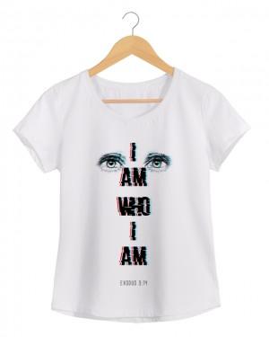 I am Who I am - Camiseta Feminina Branca em Malha Algodão